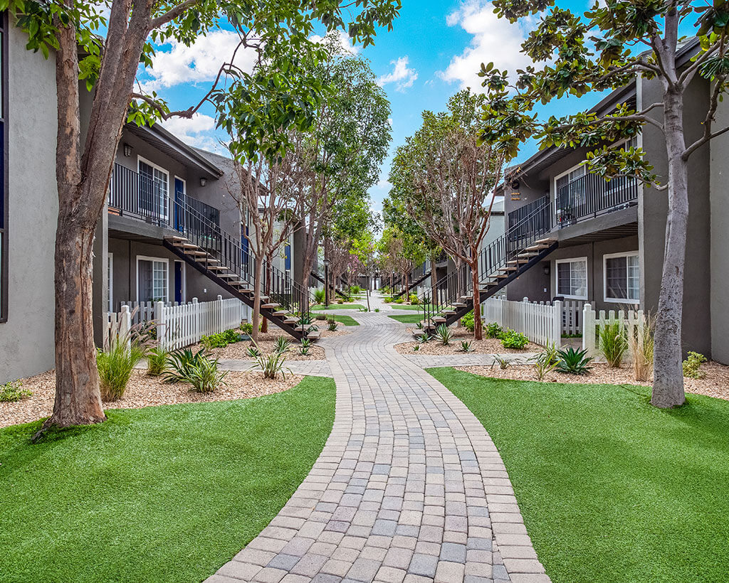 twin pines brick style walkway
